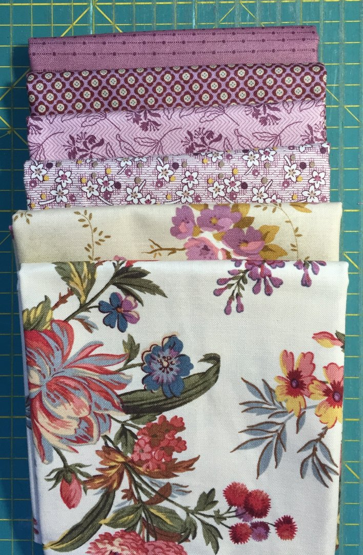 Bed of Roses nippu -lila